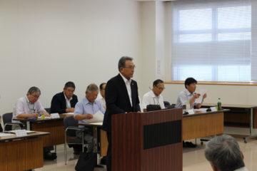 R1.8.8 臨時総代会で挨拶する齋藤理事長