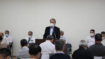 R2.8.7 第31回臨時総代会で挨拶する齋藤理事長